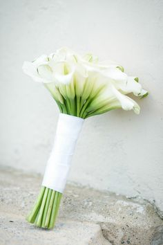 Calla Lily Bouquet | On SMP: http://www.stylemepretty.com/destination-weddings/2013/12/02/lake-como-wedding-from-andrea-kuehnis | Photography: Andrea Kuehnis