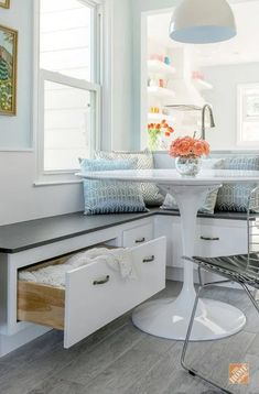 6 Inventive Clever Tips: Lowes Kitchen Remodel Clear Glass large kitchen remodel cabinets.Small Kitchen Remodel Tiny Houses very small kitchen remodel.Simple Kitchen Remodel Before After. Furniture For Small Spaces, Home Furniture, Luxury Furniture, Breakfast Nook Table, Kitchen Banquette, Dining Nook, Banquette Seating, Kitchen Dining, Kitchen Nook