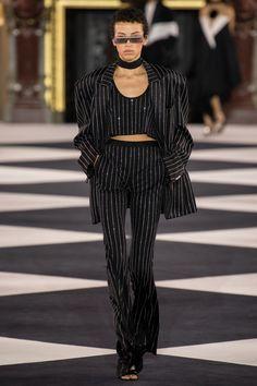 Balmain Spring 2020 Ready-to-Wear Fashion Show - Vogue Star Fashion, 90s Fashion, Couture Fashion, Runway Fashion, Fashion Brands, Fashion Outfits, Fashion Tips, Paris Fashion, Fashion Weeks