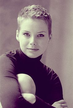short pixie cuts  | 20 Pixie Haircuts for Women 2012 - 2013 | 2013 Short Haircut for Women