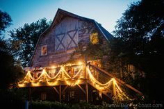 Love the lights going down the stairs. I'll have to remember to do that on the side of our barn venue!