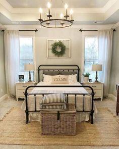 35 Stunning Magnolia Homes Bedroom Design Ideas For Comfortable Sleep 001