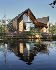 Backwater designed by Platform 5 Architects Location: Norfolk, #UnitedKingdom --- #luxury #luxuryhome #architect #luxuryhouse #arquitectura #luxurylife #luxurylifestyle  #instagram #instadaily #lights #homes #homestyle #instagood #homestyling #house #houses #architecture #architectureporn #design #modern #architects #instalike #instaday #interiordesign #instacool #instahome #garden #lake --- All credits correspond to photographer,designer,creator