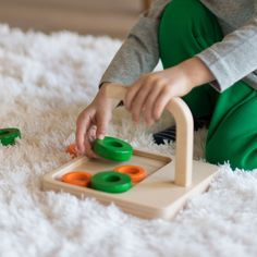 Providing the right learning materials at the right time is the foundation of the Montessori approach. Which toys and activities serve this purpose for 2-year olds? Learning Toys For Toddlers, Toddler Learning, Push Toys, Activities For 2 Year Olds, Ideal Toys, Developmental Toys, Programming For Kids, Toddler Play, Gross Motor Skills