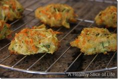 vegetable quinoa biscuits - baby led weaning foods cup shredded organic zucchini cups quinoa (cooked) cup shredded organic carrots cup Cabot cheddar cheese cup parsley (from my back porch) eggs 350 for 20 mins Baby Food Recipes, Whole Food Recipes, Cooking Recipes, Family Recipes, Toddler Meals, Kids Meals, Toddler Food, Toddler Recipes, Healthy Slice