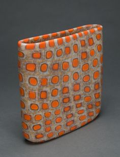 Giles Bettison Orbit click now for more info. Slab Pottery, Pottery Vase, Ceramic Pottery, Ceramic Decor, Ceramic Vase, Pottery Sculpture, Sculpture Art, Korean Pottery, Clay Vase