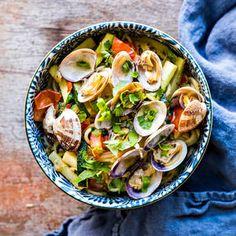 Venussimpukkapasta | K-Ruoka Koti, Sprouts, Chili, Pasta, Vegetables, Chili Powder, Chilis, Veggies, Vegetable Recipes