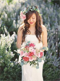 pink and green wedding bouquet | VIA #WEDDINGPINS.NET
