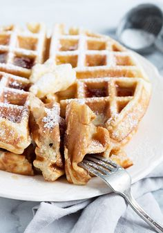 Simply Perfect Classic Waffles - These Simply Perfect Waffles are one bowl and a spoon easy and made with simple pantry staples. My idea of perfect! Fluffy and flavourful on the inside and crispy on the outside. And one bowl easy! Breakfast Waffles, Breakfast Dishes, Best Breakfast, Breakfast Recipes, Mexican Breakfast, Pancake Recipes, Breakfast Sandwiches, Pancakes, Brunch Recipes