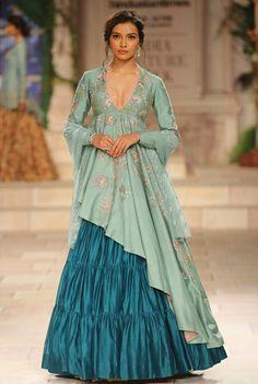 New Long Dress Outfits With Jacket Ideas Indian Gowns Dresses, Indian Fashion Dresses, Indian Designer Outfits, Latest Traditional Dresses, Lehnga Dress, Lehenga Choli, Jacket Lehenga, Sharara, Saree