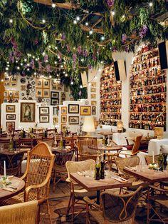 Big Mamma opens a new restaurant in London& Soho district - Restaurants - Italian Restaurant Decor, Design Bar Restaurant, Deco Restaurant, Restaurant Concept, Colorful Restaurant, Vintage Restaurant, Soho, Architecture Restaurant, Bar Design
