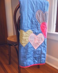 Just 10 minutes left to bid on the quilt! See earlier post for details on how to help make a donation to Habitat for Humanity and get a sweet quilt at the same time
