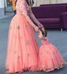 Get In Touch With Your Feminine Side Wearing Pink Coloured Mother Daughter Gown By Ninecolours. Made From Cotton,Silk This Gown Will Keep You Comfortable Gown Pair It With Heels Or Sneaker To. Mom Daughter Matching Dresses, Mom And Baby Dresses, Dresses Kids Girl, Mother And Daughter Dresses, Mother Daughter Fashion, Mother Daughters, Kids Gown, Kids Frocks, Mode Hijab