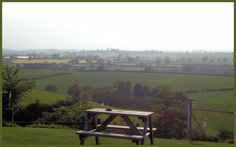Sun-downers on Ufton Hill looking out over splendid Warwickshire. #england #midlands #countryside