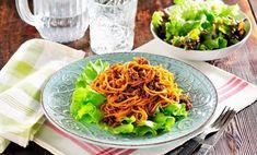 10 recept som får kilona att rasa! | Allas Recept Swedish Recipes, Lchf, Granola, Cake Recipes, Cabbage, Bacon, Good Food, Food And Drink, Low Carb