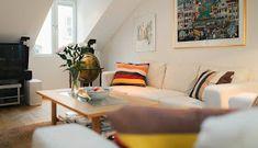 La Buhardilla - Decoración, Diseño y Muebles: Magnifico ático en Suecia Couch, Bed, Furniture, Home Decor, Santa Cruz, Wood Paneling, Fire Places, Big Windows, Contemporary Style