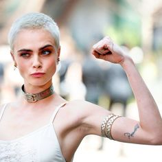 We Asked Dermatologists if Shaving Your Head Makes Hair Grow Back Healthier : cara d shaved head Shaved Head Styles, Shaved Head Designs, Shaved Head Women, Girls With Shaved Heads, Shaved Head Girl, Make Hair Grow, How To Make Hair, Cut My Hair, Hair Cuts
