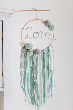 Dream Catcher with Name Nursery Makramee Bommeln Wall Hanging Bommel traumcatcher Momo and Carla Original Traumfänger mit Name Kindezimmer Makramee Bommeln Crafts To Do, Yarn Crafts, Diy Crafts, Baby Girl Nursery Decor, Baby Decor, Cuadros Diy, Crochet Wall Hangings, Camping Crafts, Embroidery Hoop Art