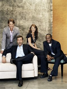 ca. 2005 --- L-R: Jesse Spencer, Hugh Laurie, Jennifer Morrison, and Omar Epps. --- Image by © Jack Guy/Corbis Outline