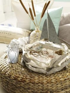 Nautical home decorations centerpiece driftwood sailing boat Coastal Style, Coastal Decor, Seaside Decor, Coastal Cottage, Coastal Living, Deco Originale, Driftwood Crafts, Driftwood Ideas, Decoration Originale