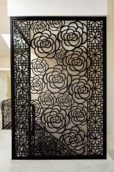 #interiordesign #screen #flowery #partitions #metal Privacy Screen, Grill Design, Metal Screen, Jaali Design, Sliding Doors Interior, Room Partition Designs, Living Wall Decor, Steel Door Design, Screen Design