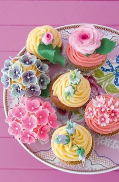 cupcakes for tropical/vintage themed wedding