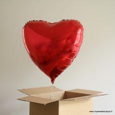 Ballon surprise coeur prêt à s'envoler