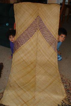Karmen Thomson - such fine work . Polynesian People, Flax Weaving, Types Of Weaving, New Zealand Art, Unity In Diversity, Maori Art, Mahi Mahi, Indigenous Art, Plaits