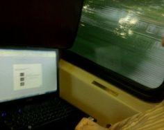 Engraçado como minha vontade de trabalhar no trem conforme com meu grau de ansiedade sobre o serviço no geral.  Opção B: le facebook.
