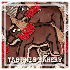 Bakersfield Creative Cookies, Red Rose Horse Cookie