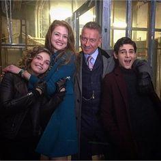 It's one big happy #Gotham family. : @seanpertwee #BehindTheScenes #SetLife