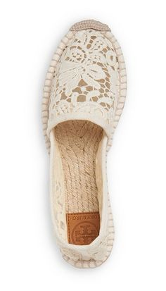 An ultra-feminine take on a warm-weather standby, the Tory Burch Abbe flat espadrille can be worn round-the-clock. @veronicalewi