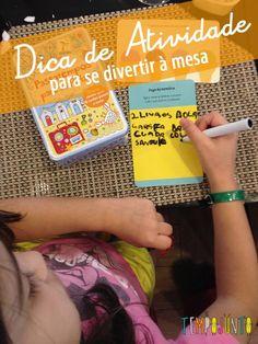"""A dica de hoje é da minha amiga Daniela Zerbinatti. Ou melhor, é da filha dela, Maria Clara, de 7 anos, que fez questão de me mostrar o livro de atividades que havia escolhido na livraria para eu poder recomendar no tempojunto. E vamos combinar que recomendação vinda diretamente de criança é imbatível, não é? O Livro chama-se Passatempos para as Férias e tem 70 atividades. O bom, segundo a Maria Clara, é que as as atividades estão em cartas """"escreve-apaga"""", que podem ser reaproveitadas. As…"""