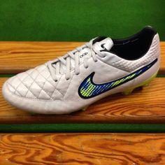 hot sale online 936ef f546d Nike Tiempo Legend Shine Collection da DanaSport calcio