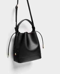 Zara Women Bags Collection 2017 Zara Introducing latest collection of women handbags collection in magnificent designs and colors. Vanity Bag, Zara Bags, Black Leather Backpack, Girls Bags, Cute Bags, Medium Bags, Bag Sale, Backpack Bags, Fashion Bags