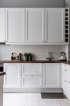 〚 Swedish apartment with old stove and warm details 〛 ◾ Photos ◾Ideas◾ Design - Kitchen design Interior Design Ikea, Brick Interior, Apartment Interior Design, Interior Modern, Apartment Ideas, Swedish Interior Design, Monochrome Interior, Cheap Apartment, Modern Luxury