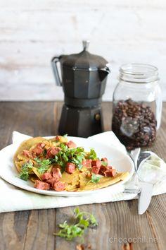 Vegaanin pekonimunakas Bacon Omelette, Raw Food Recipes, Healthy Recipes, Vegan Breakfast, Healthy Food, Ethnic Recipes, Healthy Foods, Raw Vegan Breakfast, Raw Recipes