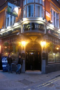 This pub in London's Covent Garden served my favorite cask ale, McMullen. Yummy!