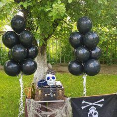 P.S. Наш #пиратскийквест для маленьких, но отважных именинников. Cake Pops, Desserts, Food, Cake Pop, Tailgate Desserts, Meal, Deserts, Essen, Dessert