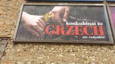 """Ośrodek przy Episkopacie Polski funduje billboardy. """"Konkubinat to grzech - nie cudzołóż"""""""