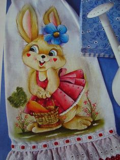 Artes em Crochê e Pintura Tole Painting, Pottery Painting, Fabric Painting, Easy Paintings, Beautiful Paintings, Chinese Painting Flowers, Some Bunny Loves You, Hand Painted Pottery, Painted Wine Glasses