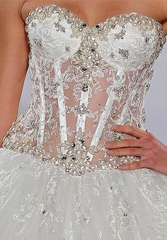Love Pnina Tornai dresses, but could never pull it off. Sexy Wedding Dresses, Bridal Dresses, Wedding Gowns, Barbie Mode, Pnina Tornai, Pearl And Lace, Wedding Beauty, Beautiful Gowns, Dream Dress