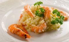 Retrouvez, ci-dessous, la recette du Risotto aux crevettes : un Primo que vous pourrez, aussi, assaisonner avec une purée de tomates si vous le souhaitez.