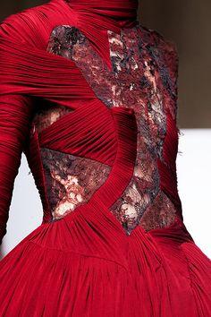 Yiqing Yin Haute Couture ~ details