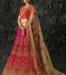Beautiful Bridal Lehenga online for Marriage at Mirraw Shopping. Buy Indian wedding lehengas with varieties of designs and collection for women on best occasions at discount prices Latest Bridal Lehenga, Bridal Lehenga Online, Bridal Lehenga Choli, Saree, Wedding Lehenga Designs, Choli Designs, Bride, Collection, Women