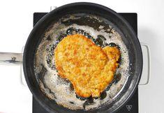 Kotlety schabowe jak u mamy. Klasyczny przepis zawsze najlepszy. WIDEO Iron Pan, Wok, Meat, Kitchen, Cooking, Kitchens, Cuisine, Cucina