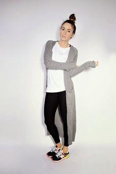 Leggings simples, una camisa blanca y un oversized cardigan y lista: | 29  Looks ideales para las chicas que no quieren usar tacones