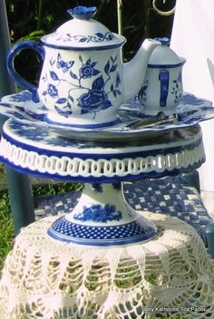 MOTHERS DAY TEA | Lady Katherine Tea Parlor - Love the cake stand