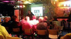 Ruim 50 bezoekers bij het Politiek Café @Jongeren4ALL #Zevenaar. Uiteraard draaien onze jonge vrijwilligers de bar! Donderdag 25 september 2014. Via twitter @jw4zevenaar