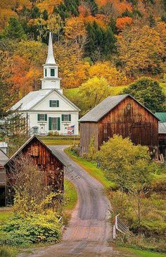 Waits River, Vermont ~ New England autumn landscape by pedro lastra~~ Old Country Churches, Old Churches, The Places Youll Go, Places To Go, Le Vermont, Burlington Vermont, Beautiful World, Beautiful Places, Church Building